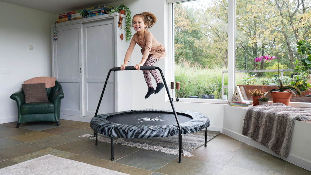 EXIT Tiggy junior trampoline met beugel ø140cm - zwart/grijs