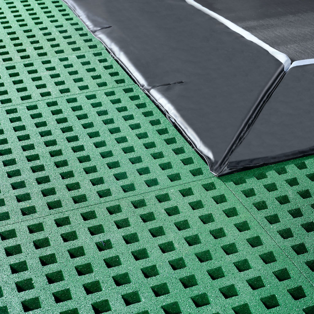 EXIT Dynamic groundlevel trampoline 244x427cm met Freezone veiligheidstegels - zwart