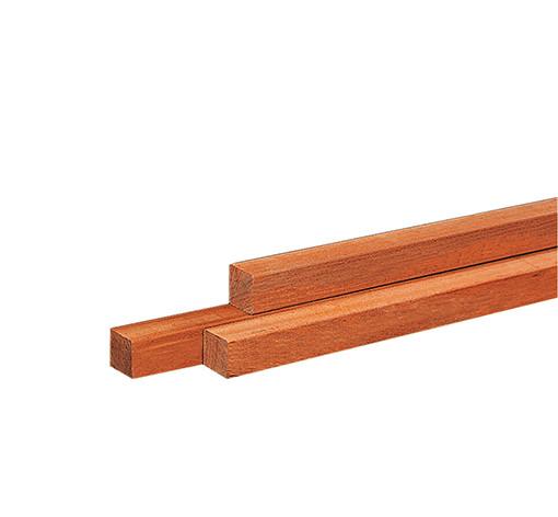 <BIG> <B> Poteau en bois dur AZ finement scié, pointu 6 x 6 x 250 cm. </B> </BIG>