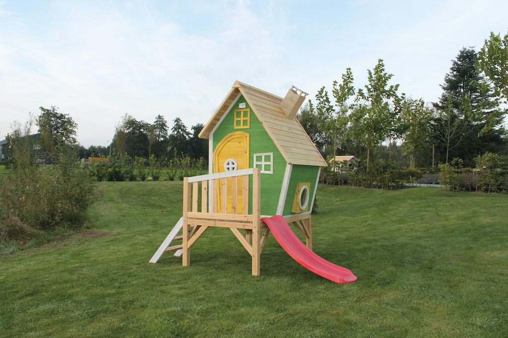 Maison de jeu en bois EXIT Fantasia 300 - verte