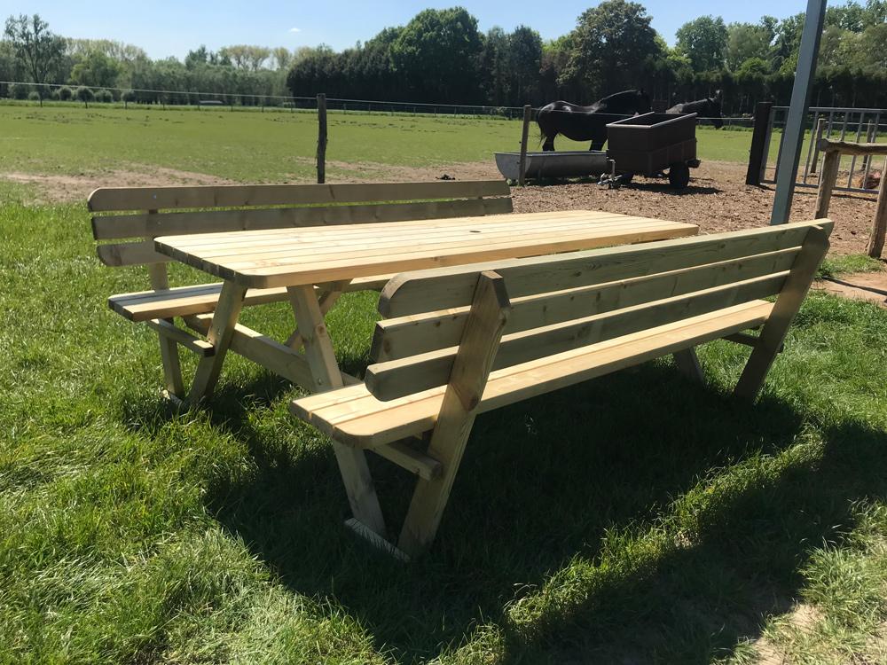 240 cm dicker Picknicktisch mit Rückenlehnen