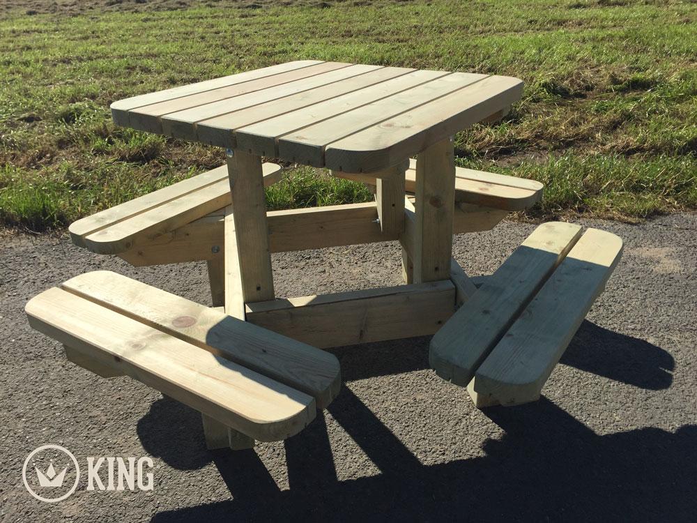 <BIG><B>KING ® Vierkante Picknicktafel voor Kleuters (125 x 125 cm)</B></BIG>