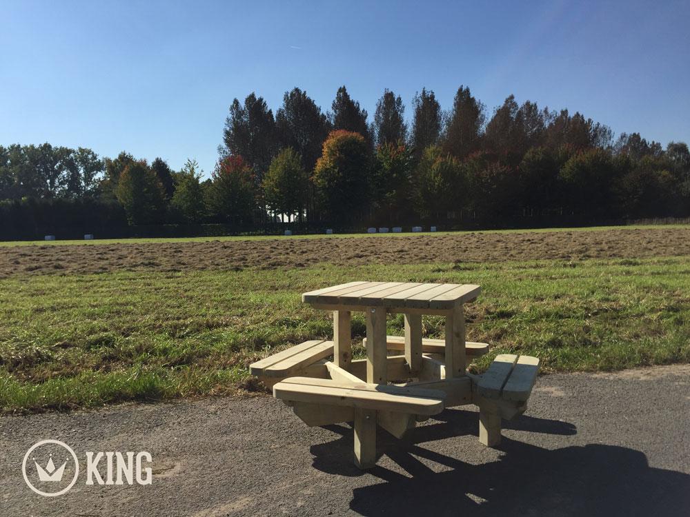 <BIG><B>KING ® Vierkante Picknicktafel voor Kleuters (125 x 125 cm) (6-PACK)</B></BIG>