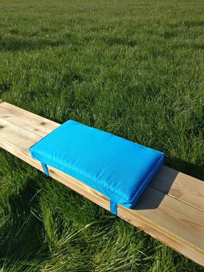 <BIG><B>Coussin de table de pique-nique - Bleu minéral 57cm</B></BIG>