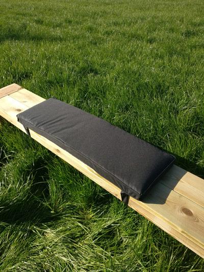 <BIG><B>Coussin de table de pique-nique - Noir 96cm</B></BIG>