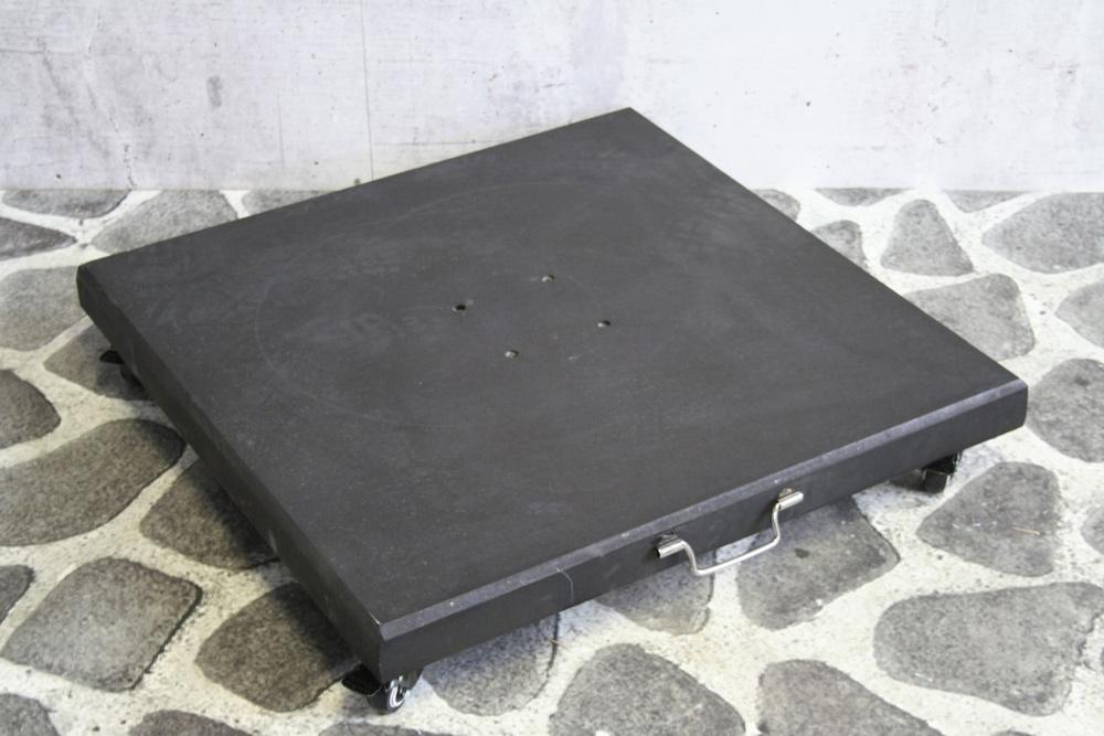 <BIG><B>Parasolvoet zwart graniet 100KG, met 4 wieltjes</B></BIG>
