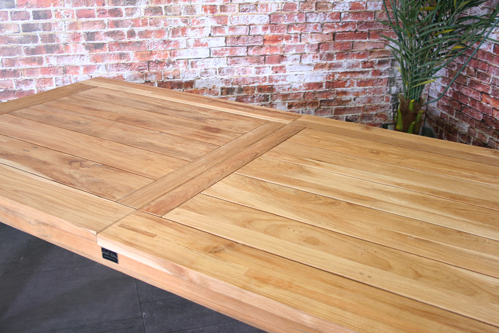 <BIG><B>Table gigogne Charleston teck 200 / 260x100cm</B></BIG>