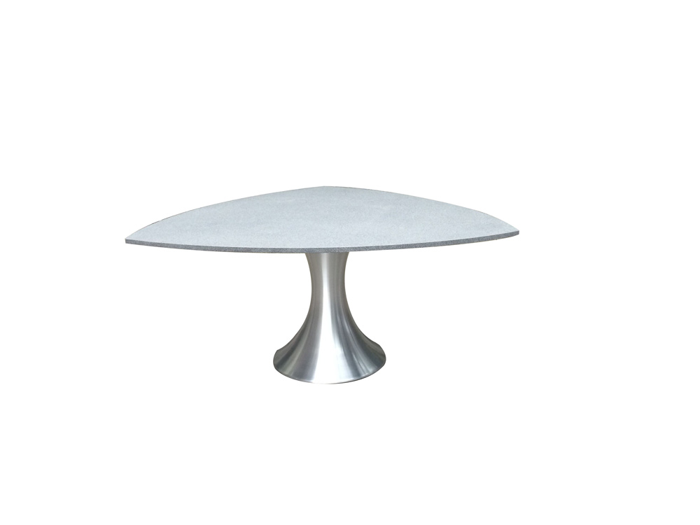 Table triangulaire Rodin