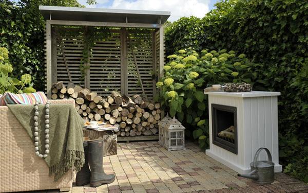 <BIG><B>Abri d'entreposage pour bois chemin&eacute;e Excellent (200 x 190 cm)</B></BIG>