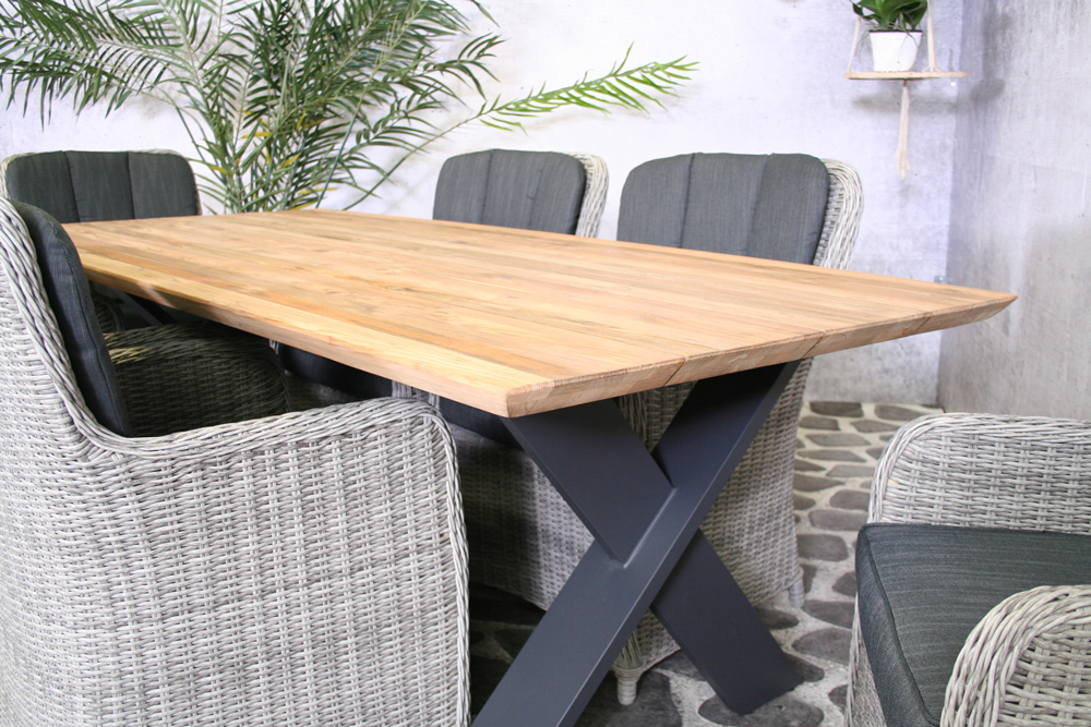 <BIG><B>Table Preston en teck 220 cm</B></BIG>