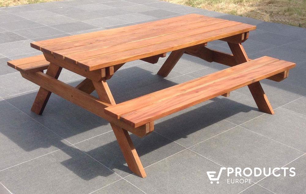 <BIG><B>Table de pique-nique en bois dur (200 x 160 x 75 cm) (3.5 cm d\'&eacute;paisseur)</B></BIG>