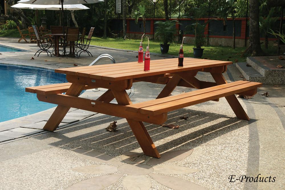 <BIG><B>Hardhouten picknicktafel (250 x 160 x 75 cm) (4.5 cm plankdikte)</B></BIG>