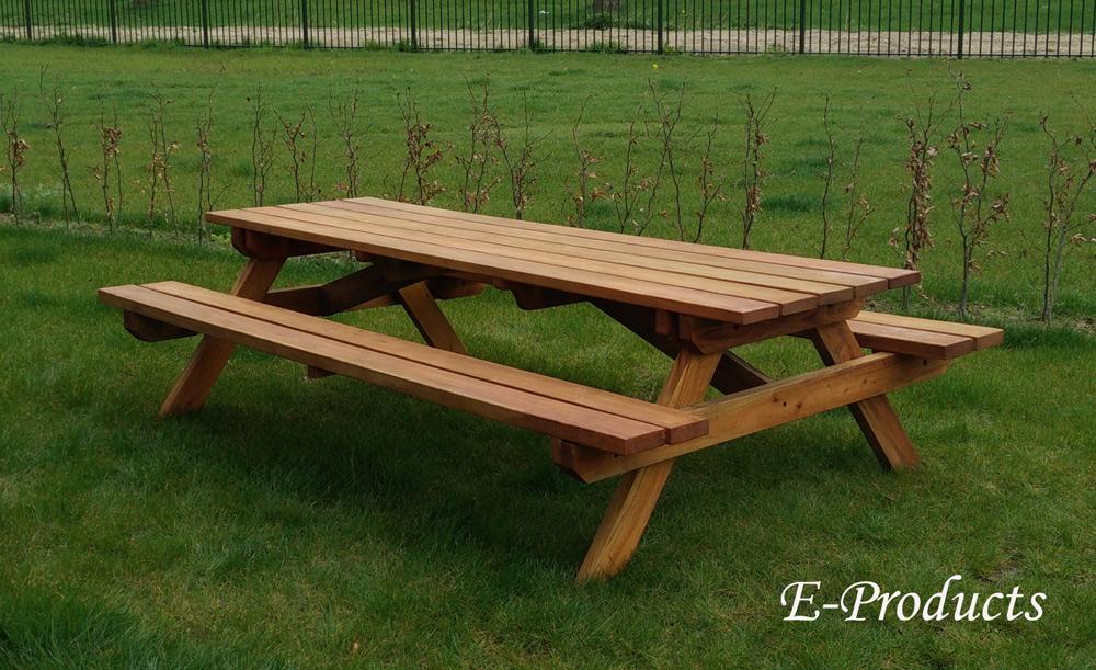 <BIG><B>Table de pique-nique en bois dur (250 x 160 x 75 cm) (4.5 cm d\'épaisseur)</B></BIG>