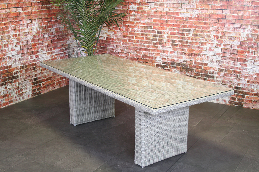 <BIG><B>Table rectangulaire wicker et verre Zonnegloed 220 cm</B></BIG>