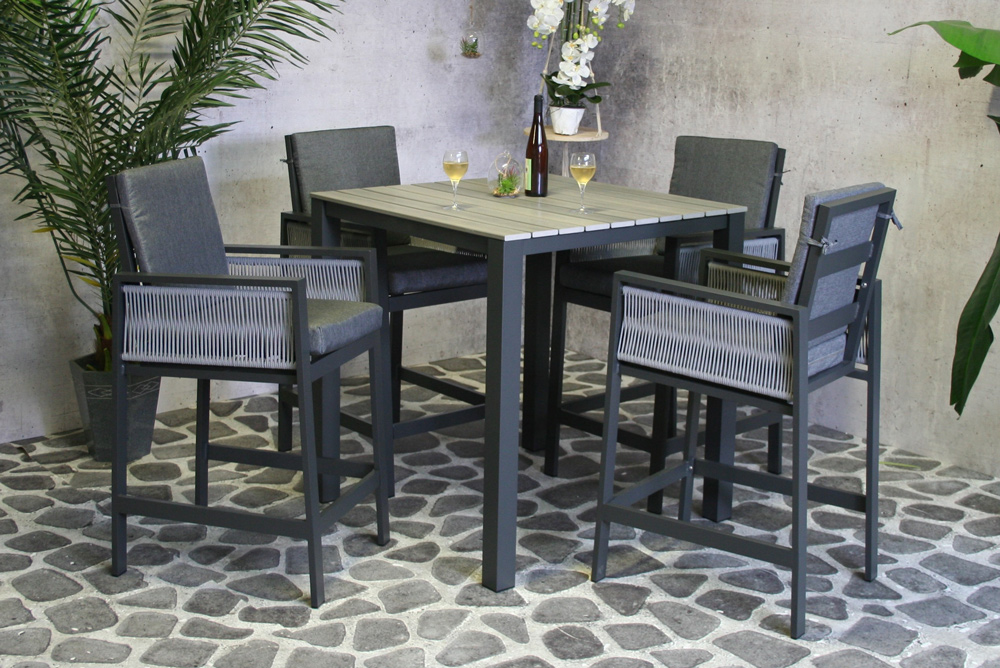 <BIG><B>Table Leon en polywood</B></BIG>