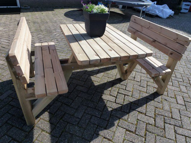 https://www.kingpicknicktafels.be/foto/table-pique-nique-massive-1.jpg