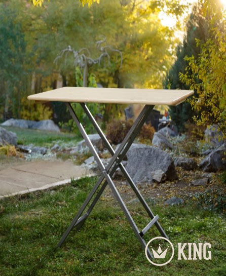 <BIG><B>Table pliante 120 cm par 80 cm</B></BIG>