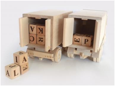 Vrachtwagen met aanhangwagen