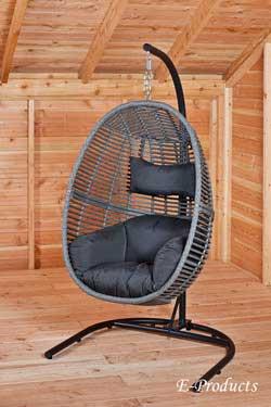 <BIG><B>Stalen frame voor hangstoel</B></BIG>