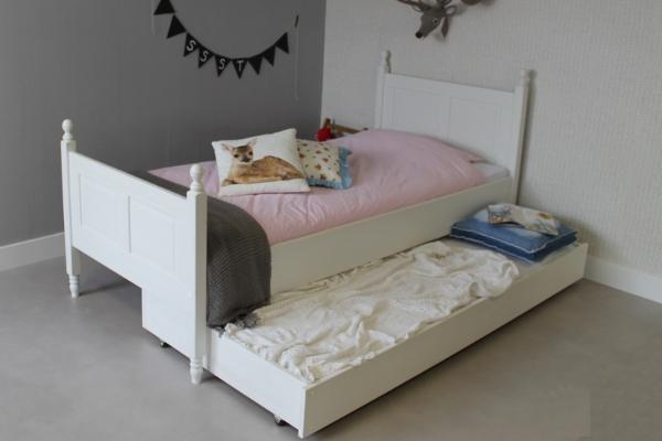 https://www.kingpicknicktafels.be/kinderbett/Elsa-kinderbett-200x90-slaaplade-1000-a.jpg