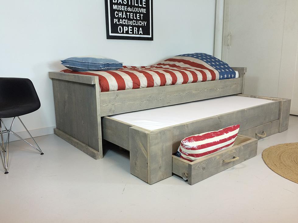 kinderbett kinderbetten kaufen aus 100 massivholz. Black Bedroom Furniture Sets. Home Design Ideas