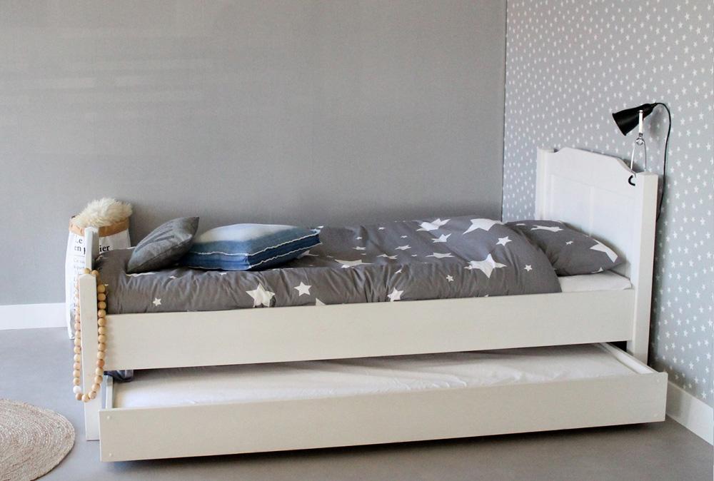 <BIG><B>Lit enfant / Lit adolescent ARTHUR 90x200</B></BIG><br />(bois de pin massif en opaque blanc+sommier gratuit)